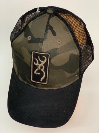 Бейсболка камуфляж Browning с черной сеткой и козырьком