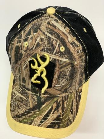 Бейсболка камуфляж Browning с черным тылом и золотистой вышивкой