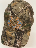 Бейсболка камуфляж Realtree с серо-оранжевой нашивкой