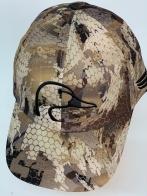 Бейсболка камуфляж с вышитой головой утки