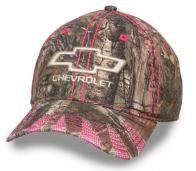 Бейсболка камуфляжная от бренда Chevrolet.