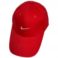 Бейсболка красного цвета с белой вышивкой