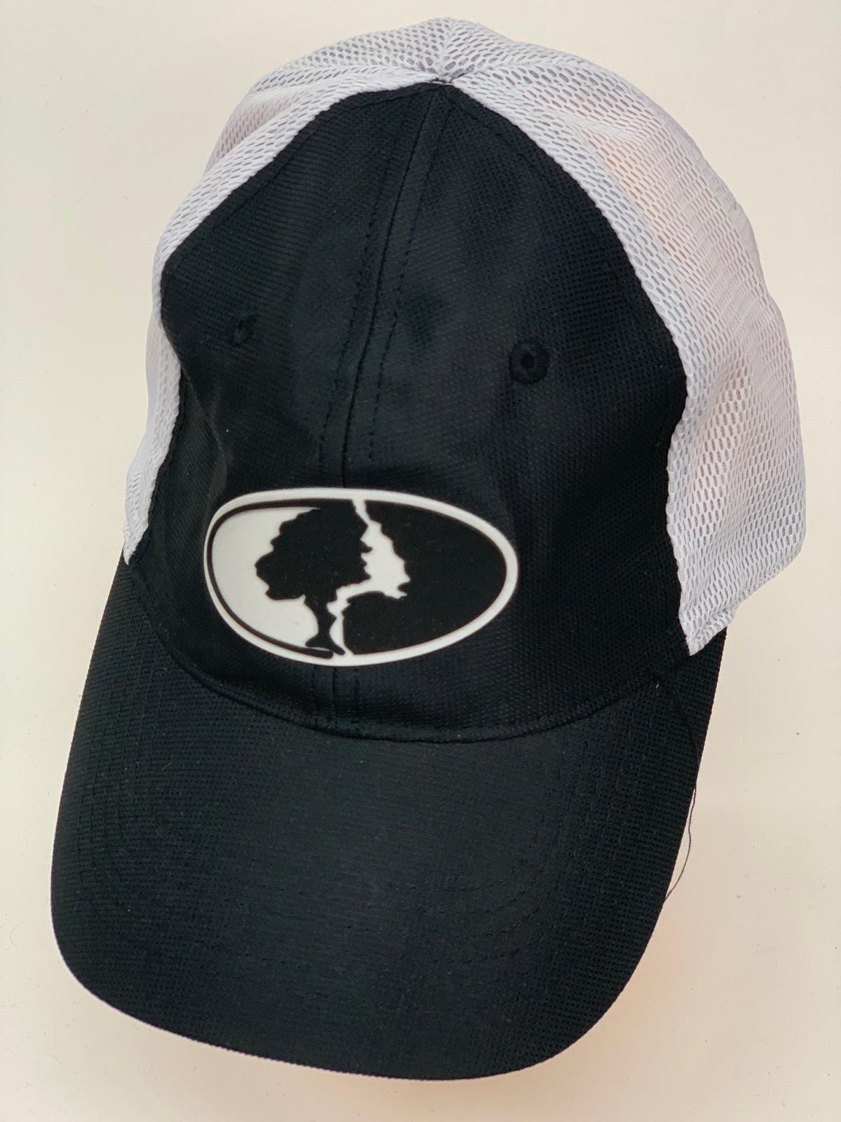Бейсболка Mossy Oak черного цвета с белой сеткой