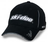 Брендовая черная бейсболка с белым лого Ski Doo