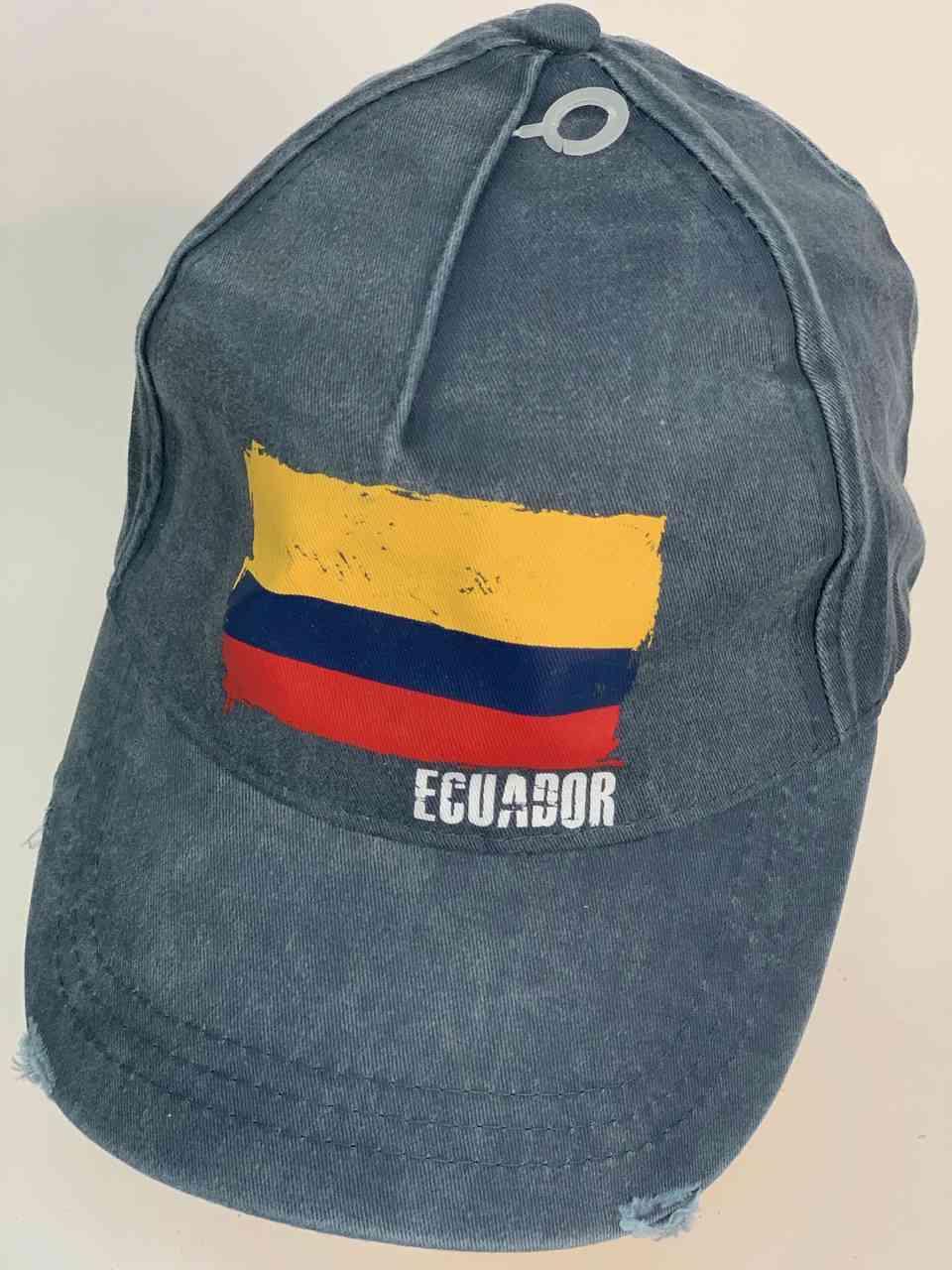 Бейсболка с флагом Эквадора