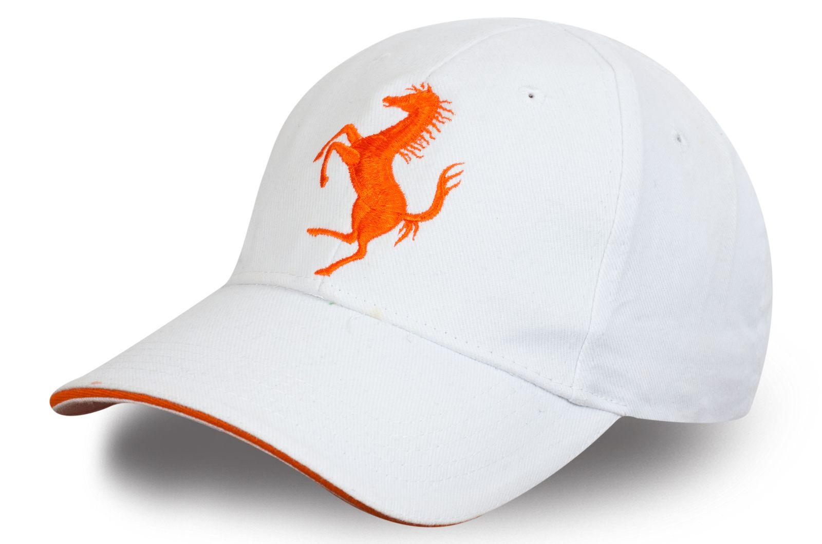 Бейсболка с логотипом Ferrari - купить в интернет-магазине