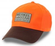 Яркая бейсболка с логотипом MERKEL GEAR