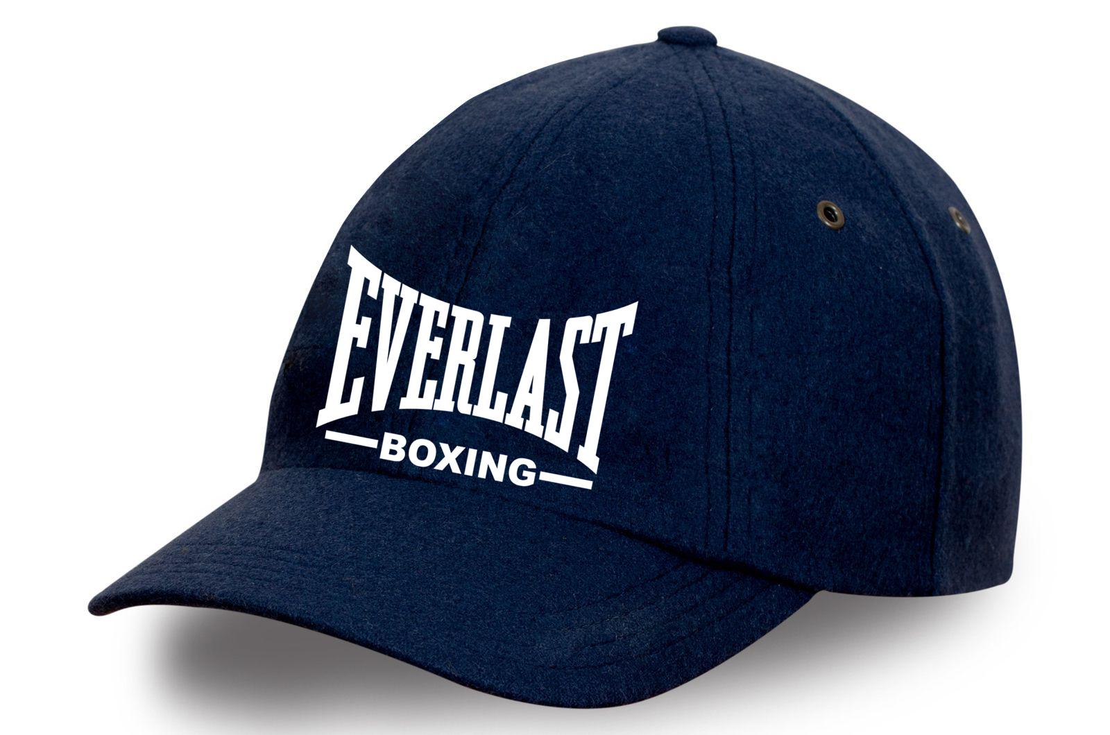 Бейсболка с надписью Everlast