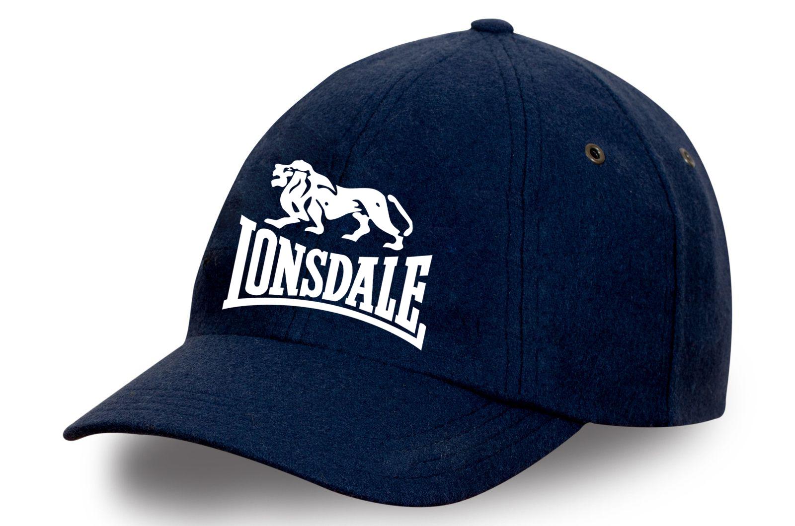Бейсболка с надписью Lonsdale