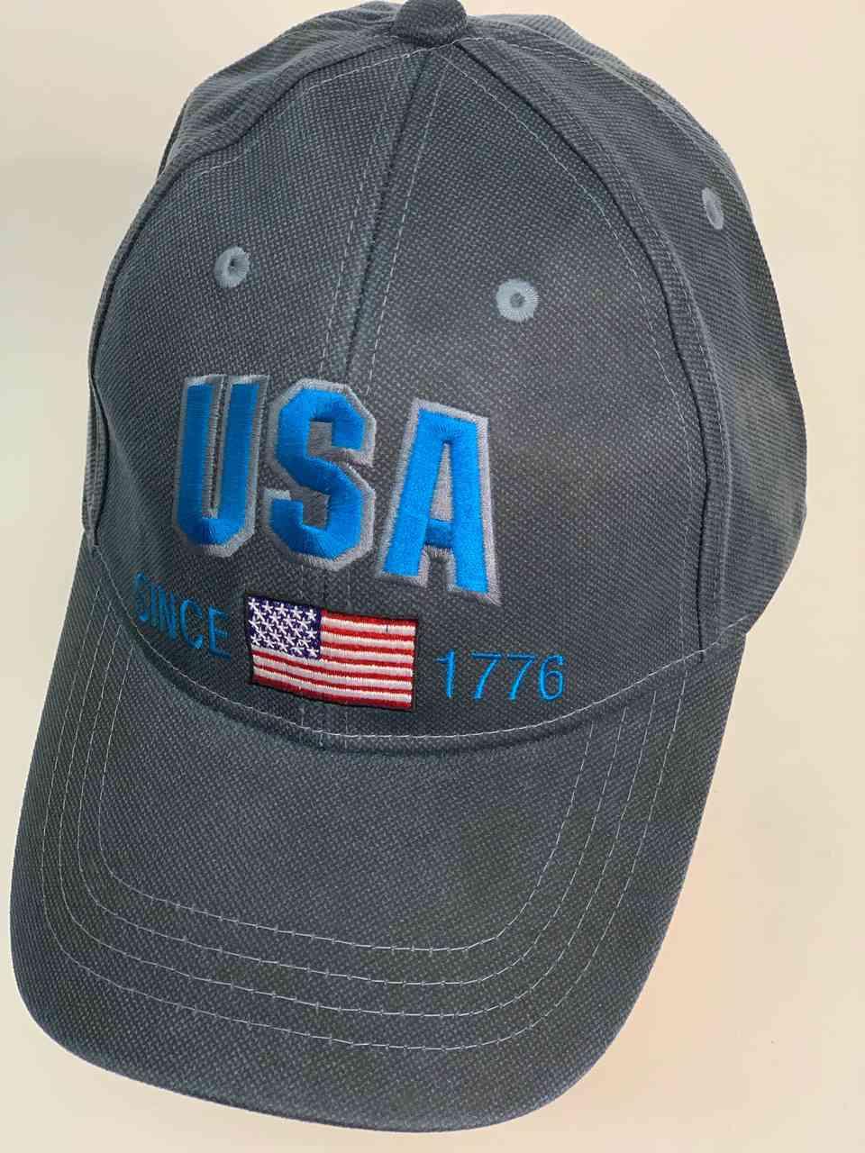 Бейсболка с надписью в честь основания США