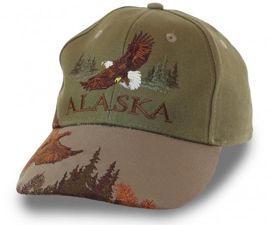 Бейсболка с впечатляющим пейзажем Аляски. Профессиональная объемная вышивка на плотной износостойкой ткани. Нет на свете дизайнера лучше, чем сама природа