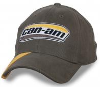 Серая мужская бейсболка с фирменной вышивкой Can Am
