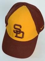 Бейсболка SD коричневого цвета с желтой вставкой на тулье