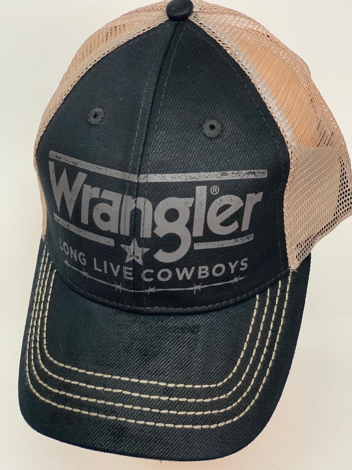 Бейсболка Wrangler черного цвета с белой сеткой