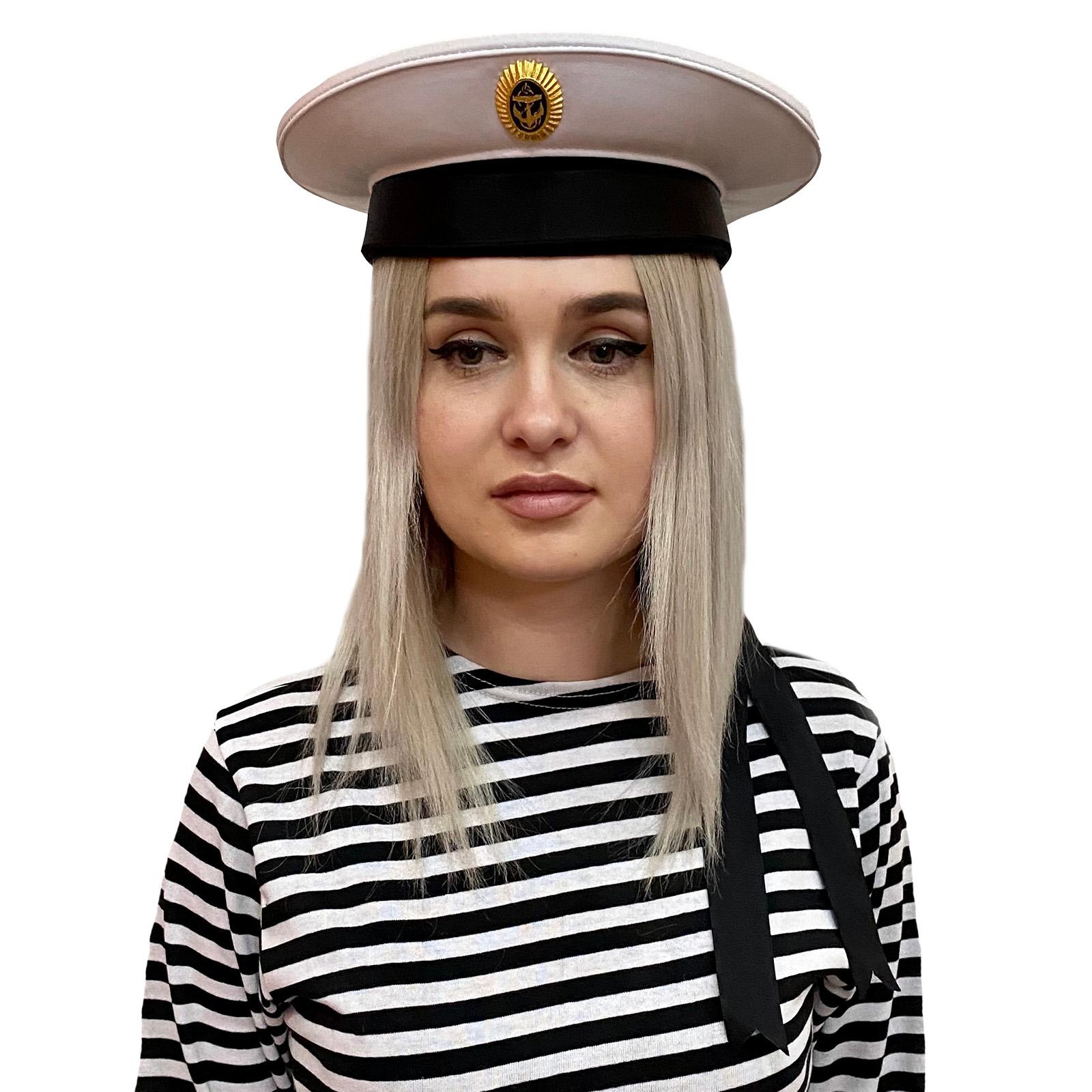 Белая бескозырка с кокардой морской пехоты