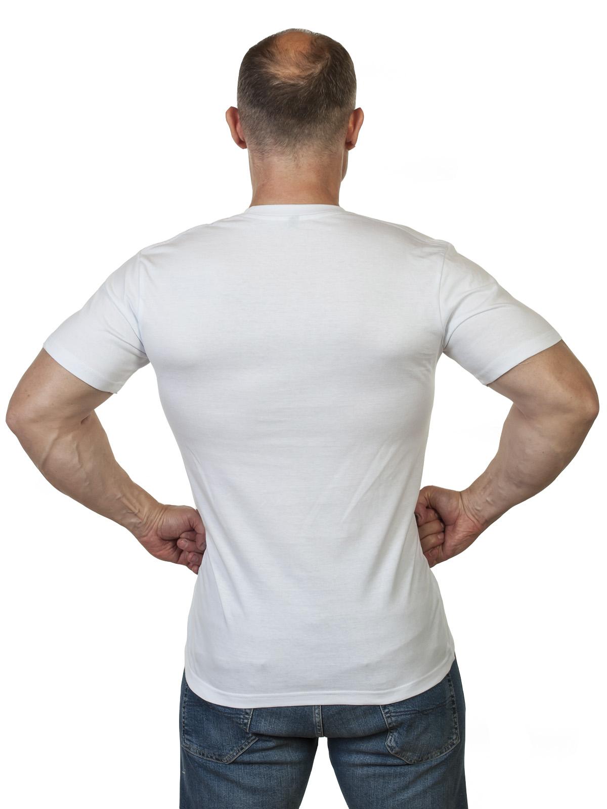 Стильная белая футболка с принтом ВКС высокого качества
