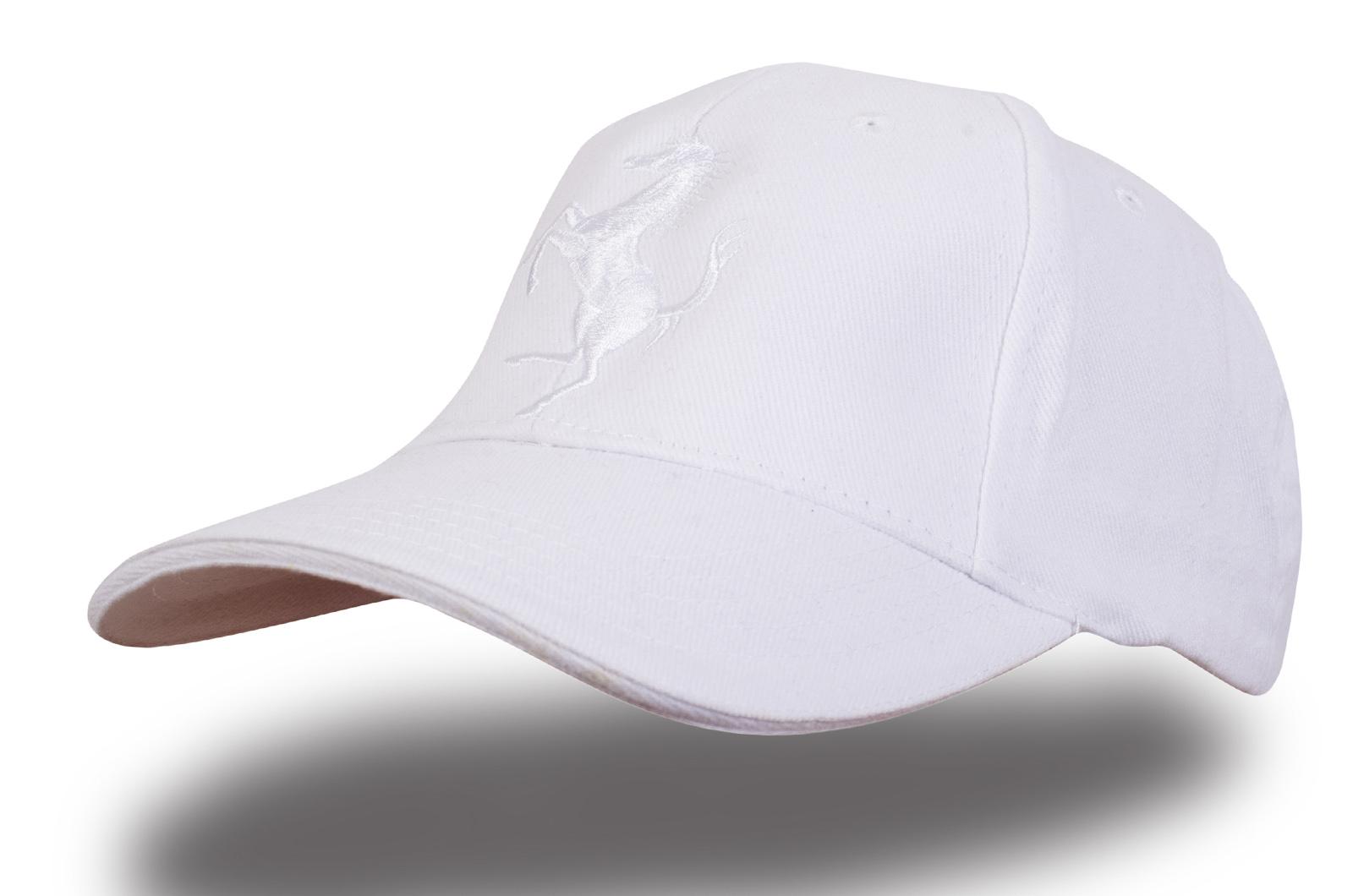 Белая кепка Ferrari - купить в интернет-магазине с доставкой