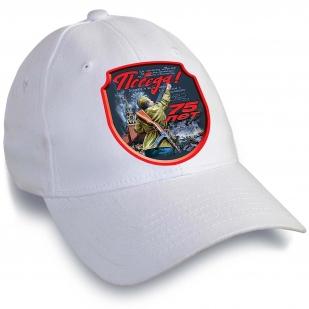 Белая кепка на День Победы-2020