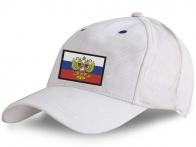 Белая кепка патриота России