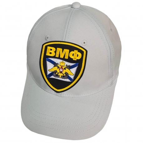 Белая кепка с нашивкой ВМФ