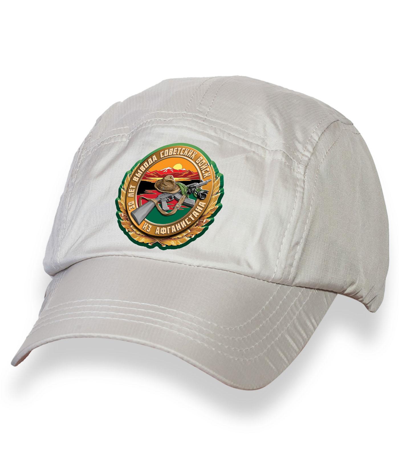 Белая крутая кепка-пятипанелька с юбилейной термонаклейкой