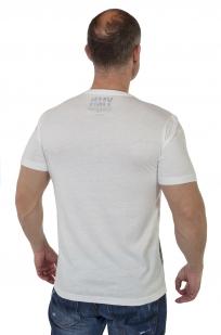 Белая мужская футболка с принтом от Young Men по лучшей цене