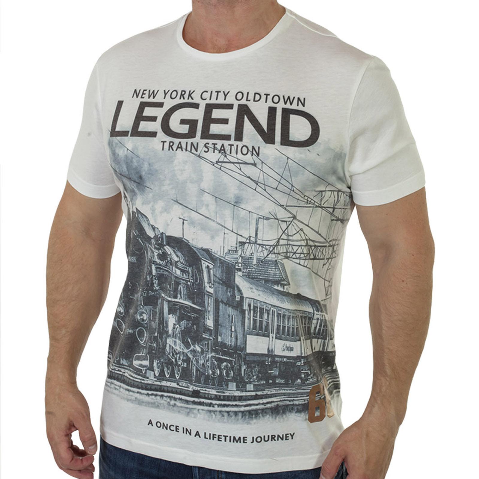 Белая мужская футболка с принтом от Young Men