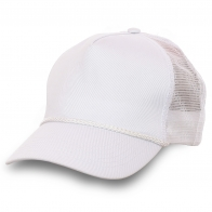 Белая однотонная бейсболка известного бренда