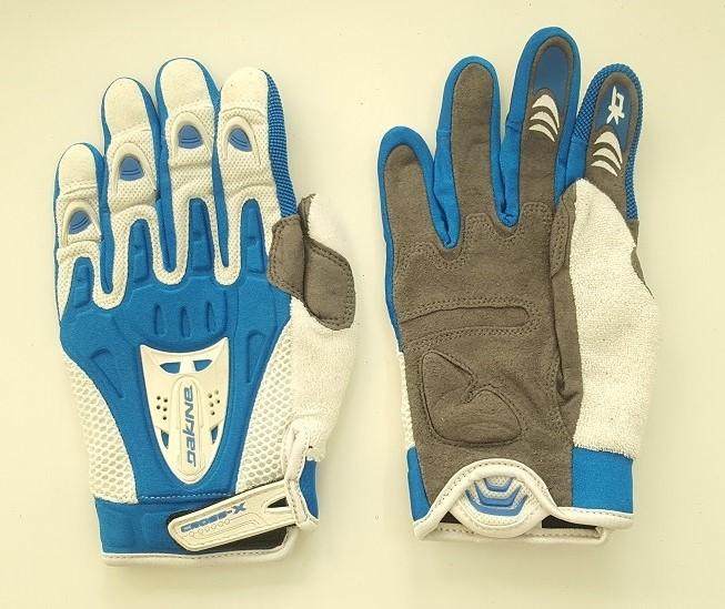 Бело-голубые крутые перчатки от Dakine