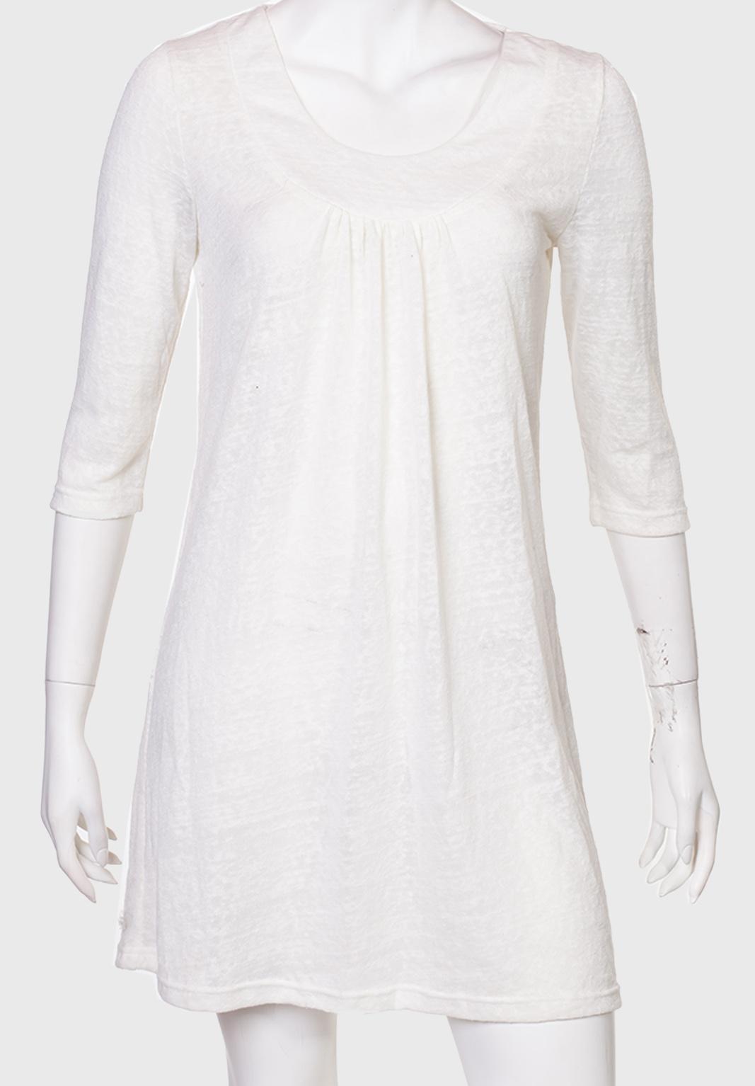 Белое платье-трапеция без рукавов