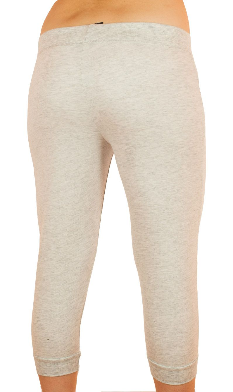 Белые спортивные капри Coco Limon - вид сзади