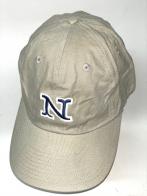 Бежевая бейсболка с вышитой темно-синей буквой