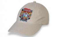 Бежевая кепка для праздничных демонстраций на 75 лет Победы