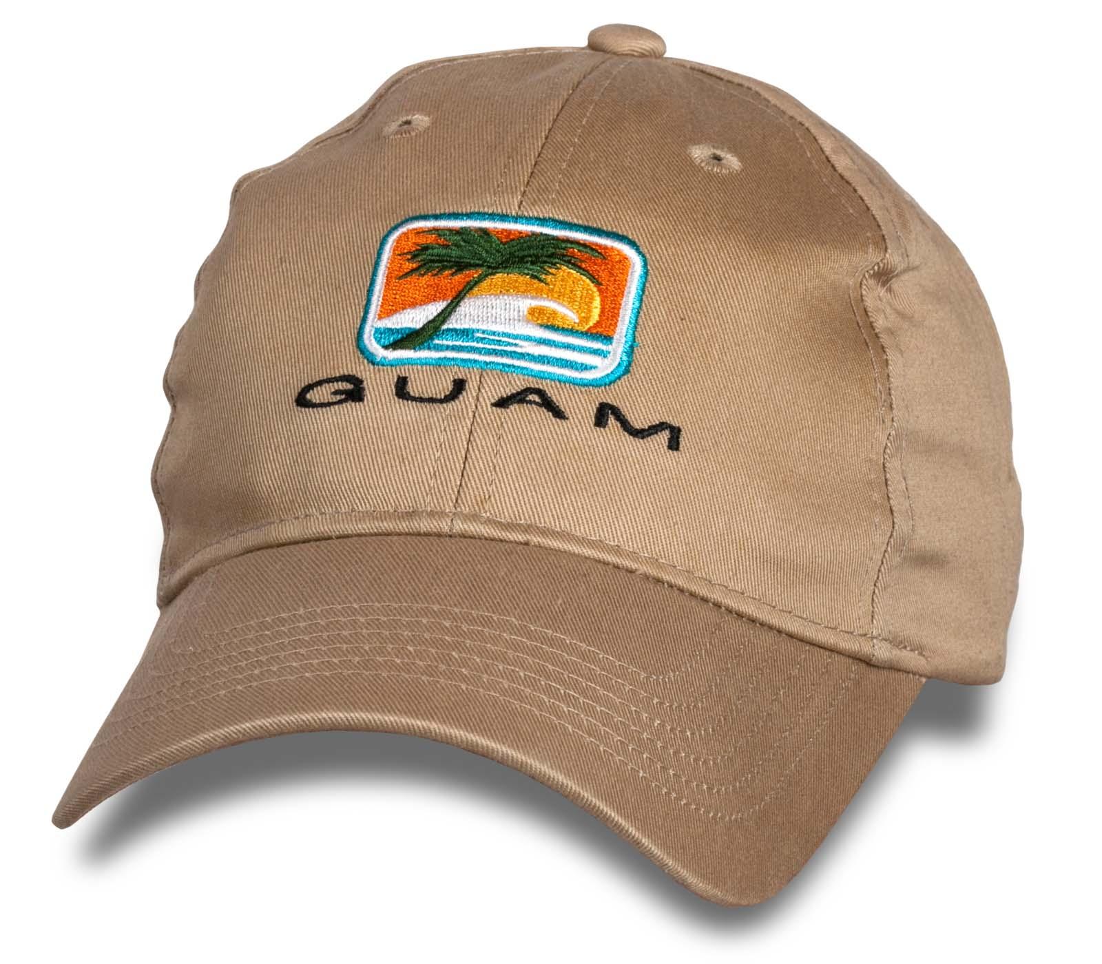 Бежевая кепка Guam.
