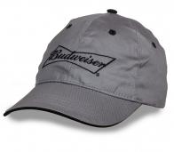 Безукоризненная серая бейсболка с надписью Budweiser. Современный дизайн, лаконичный стиль. Любители пенного оценят!