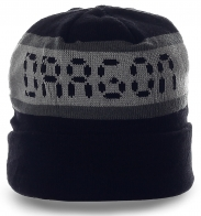 Безупречная мужская шапка спортивного фасона с дизайнерской надписью