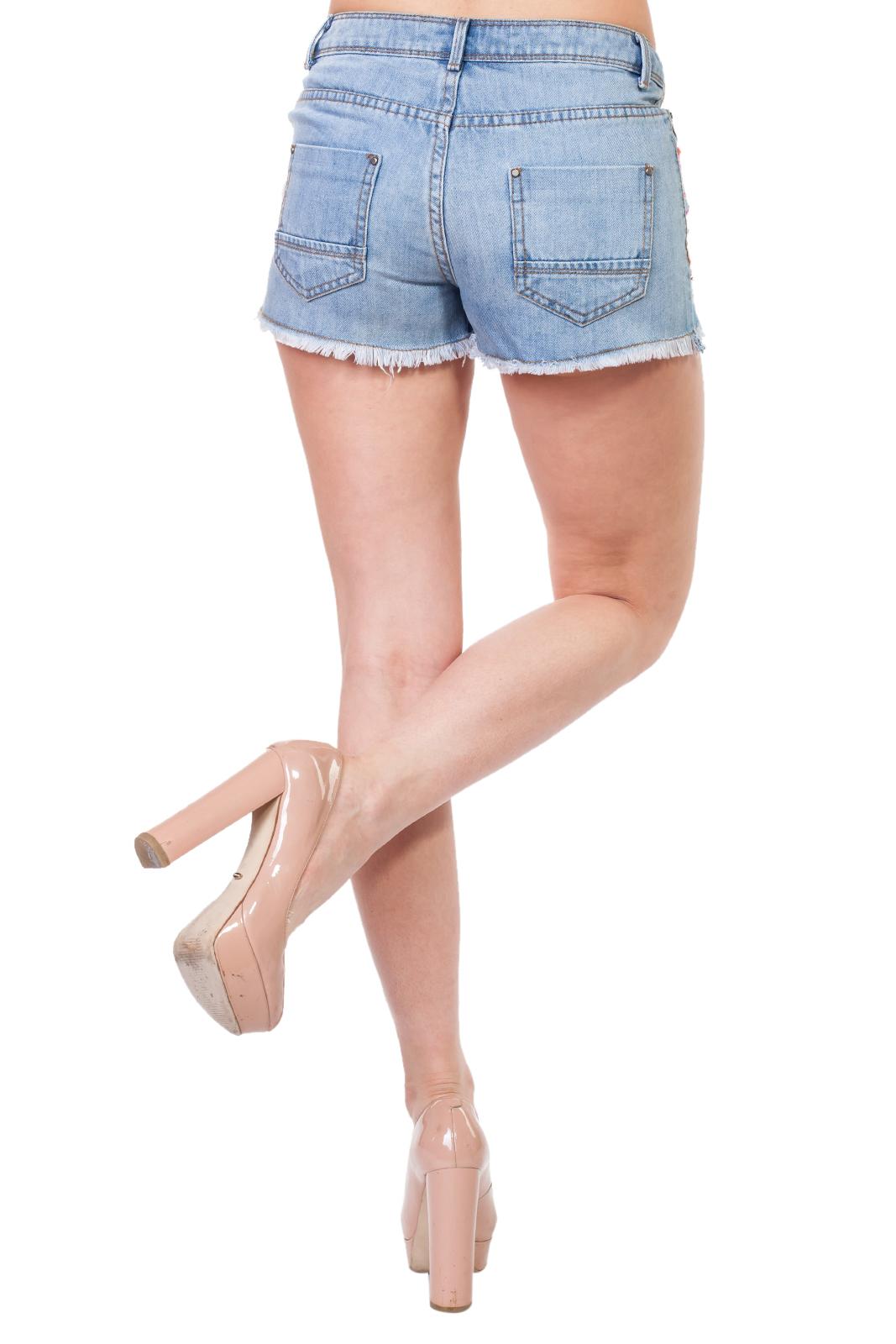 Женские бохо-шорты SHORT с вышитым этно-принтом и бахромой.