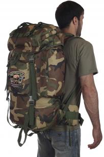 Большой камуфляжный рюкзак с нашивкой Охотничьих войск купить оптом