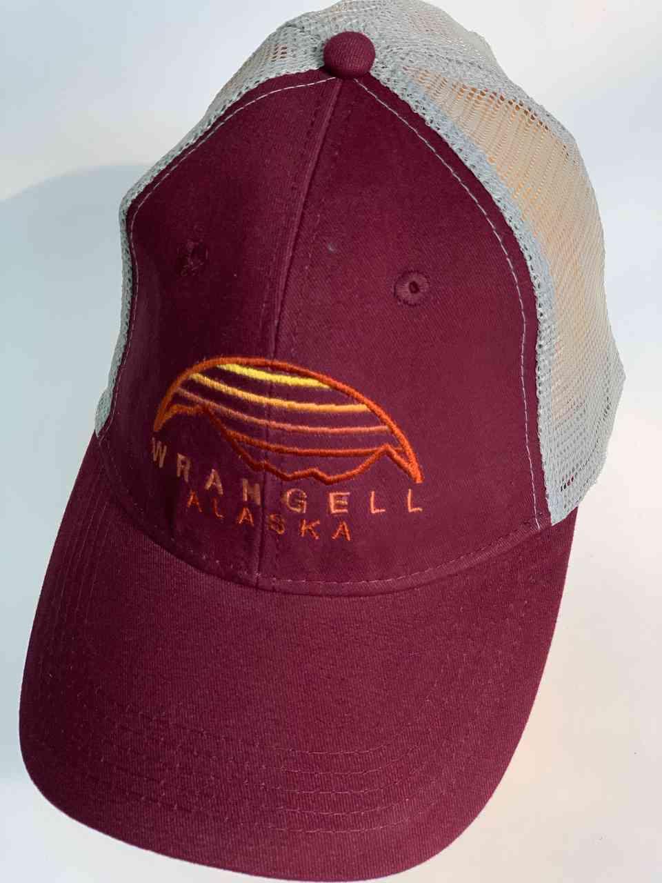 Бордовая бейсболка Wrangell Alaska