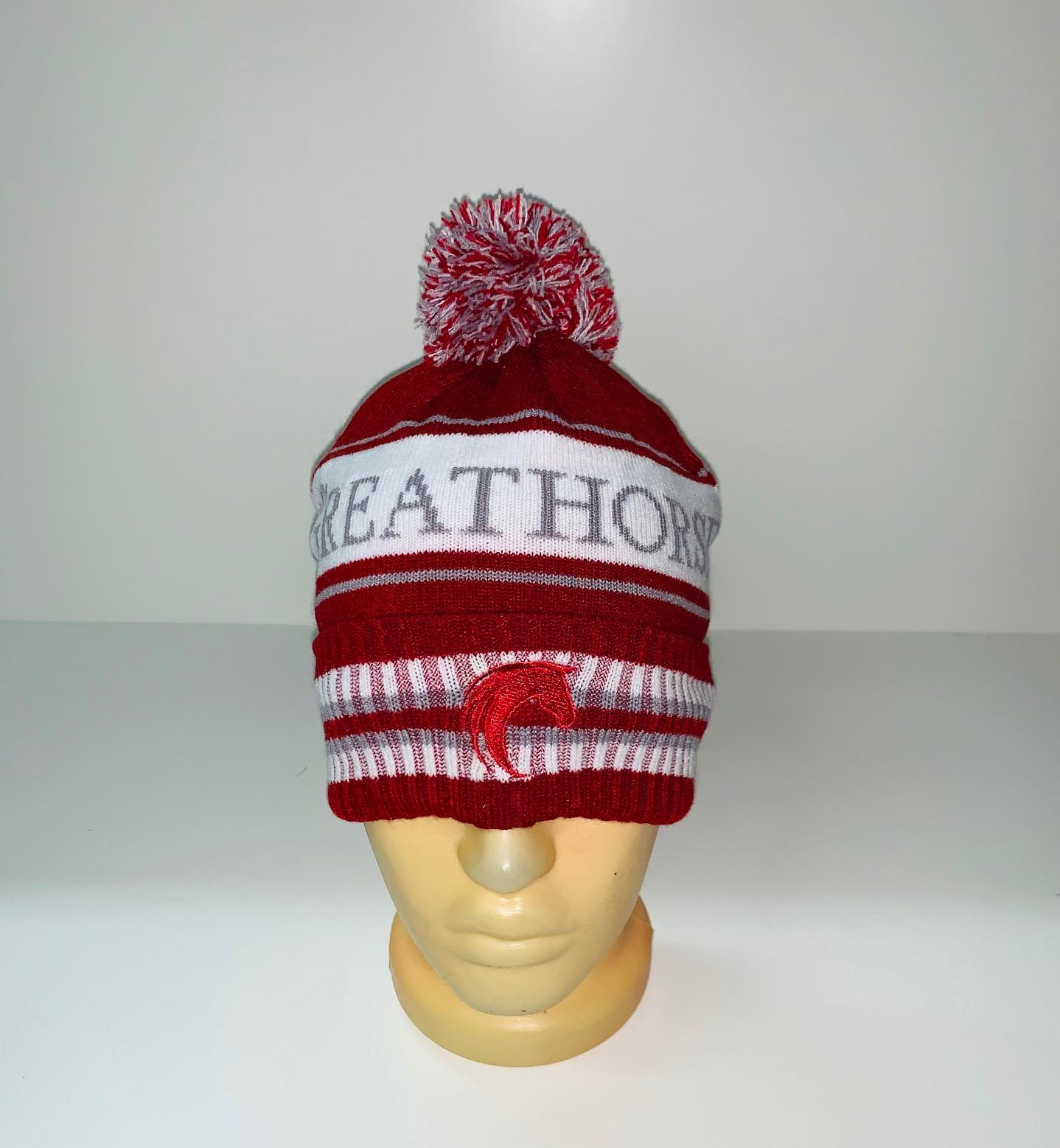 Бордовая шапка в полоску с помпоном