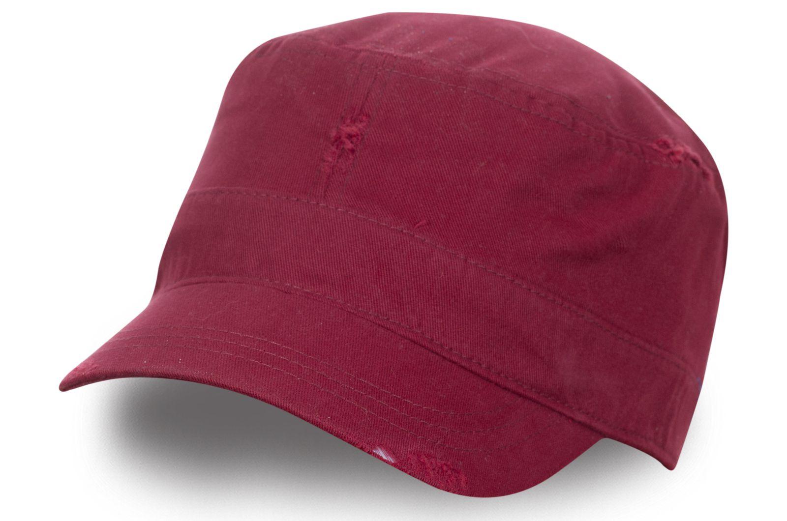 Бордовая женская кепка