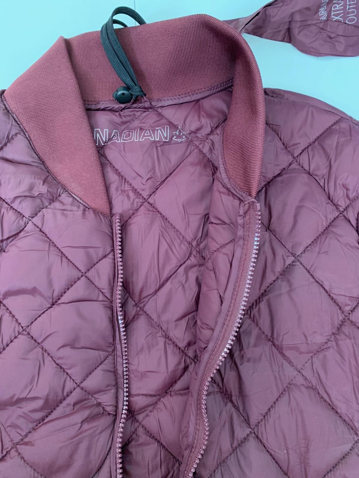 Бордовая женская куртка от CANADIAN
