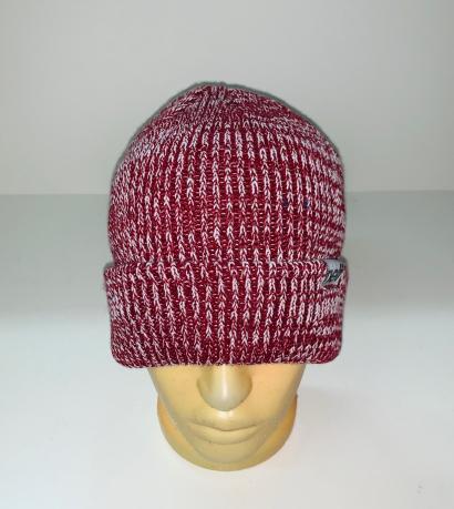 Бордово-белая топовая шапка