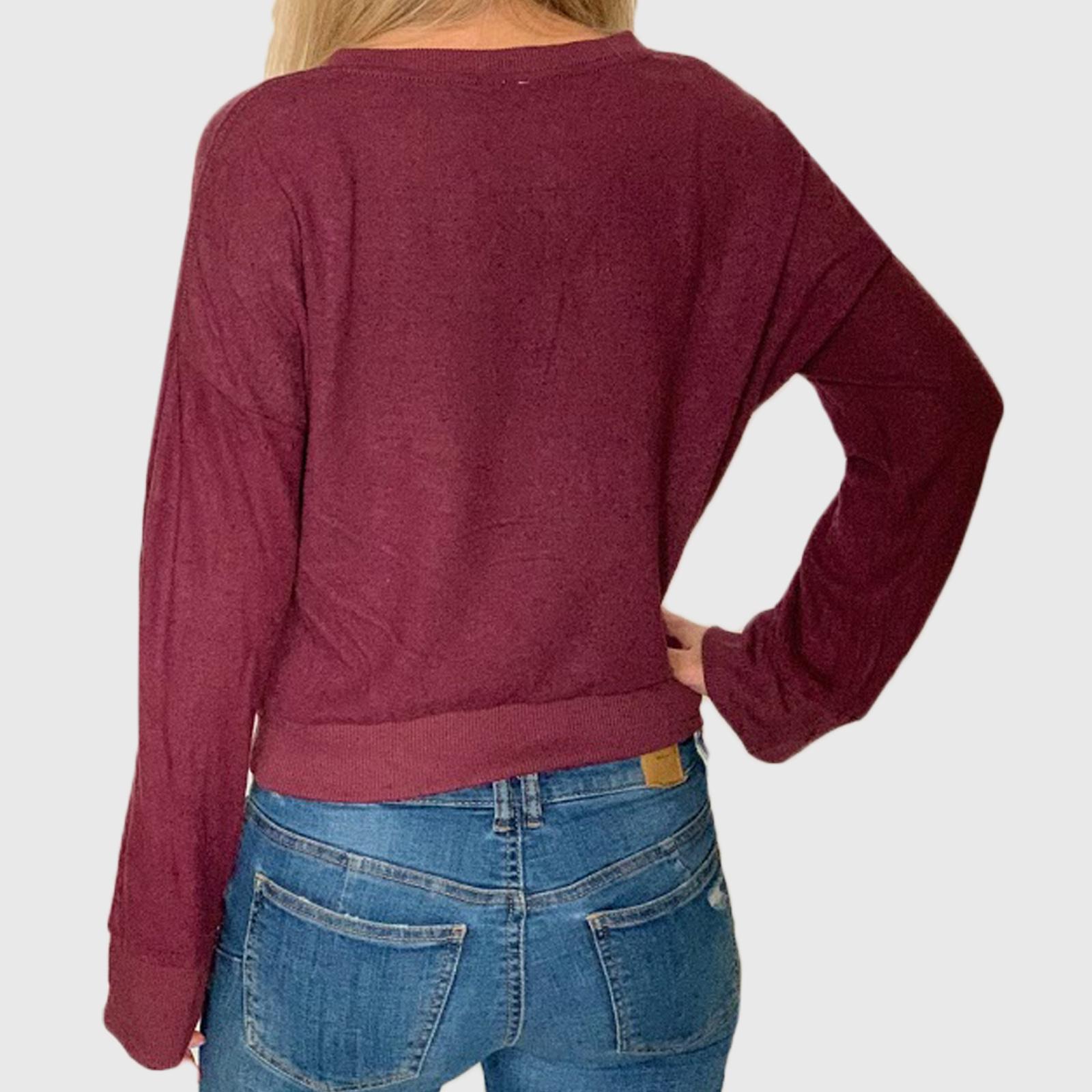 Женская молодежная кофта с удлиненными рукавами