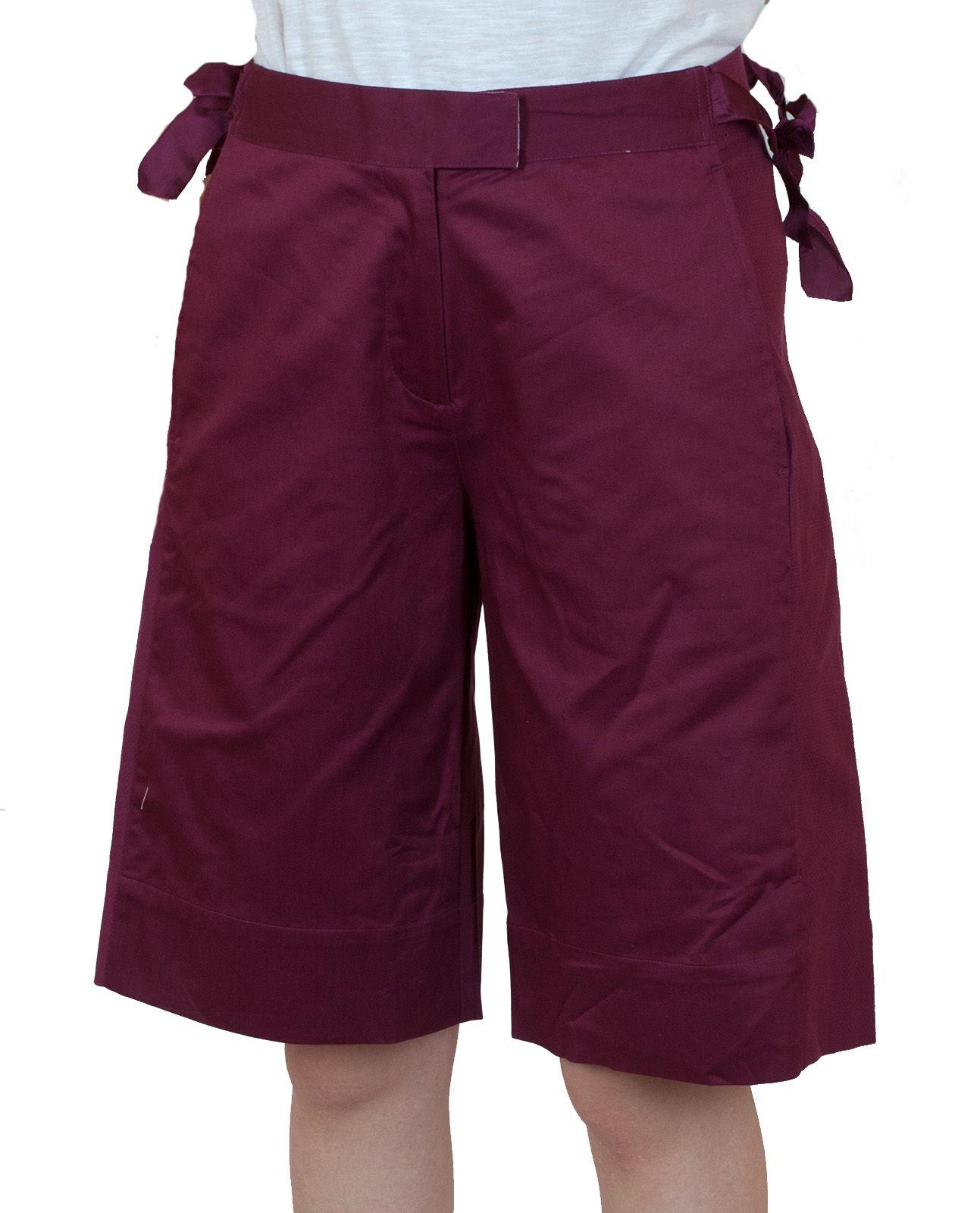 Бордовые городские шорты для девушекa - вид спереди