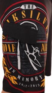 Бордшорты с логотипом конкурса в память о серфере Эдди Айкау