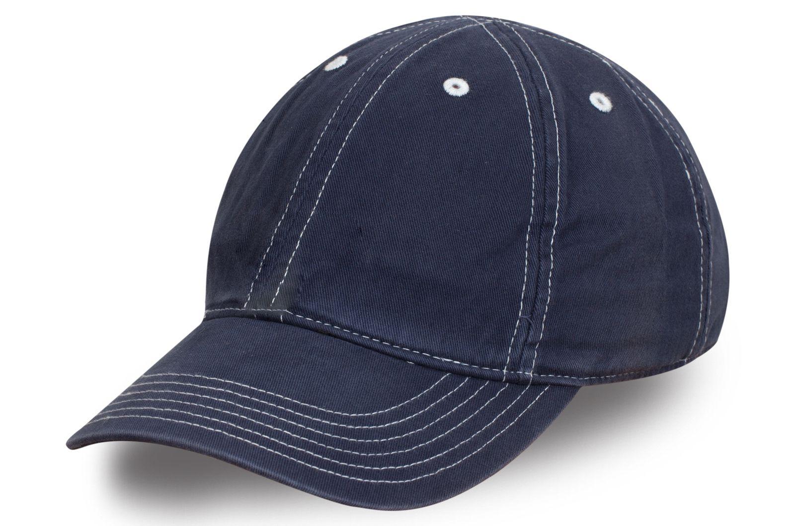 Брендовая бейсболка цвета синий джинс