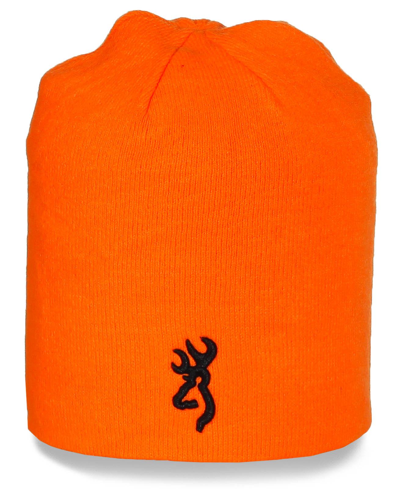 Брендовая шапка Browning яркого цвета. Стильная модель, отличное качество