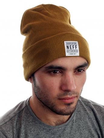 Брендовая шапка с широким отворотом от Neff