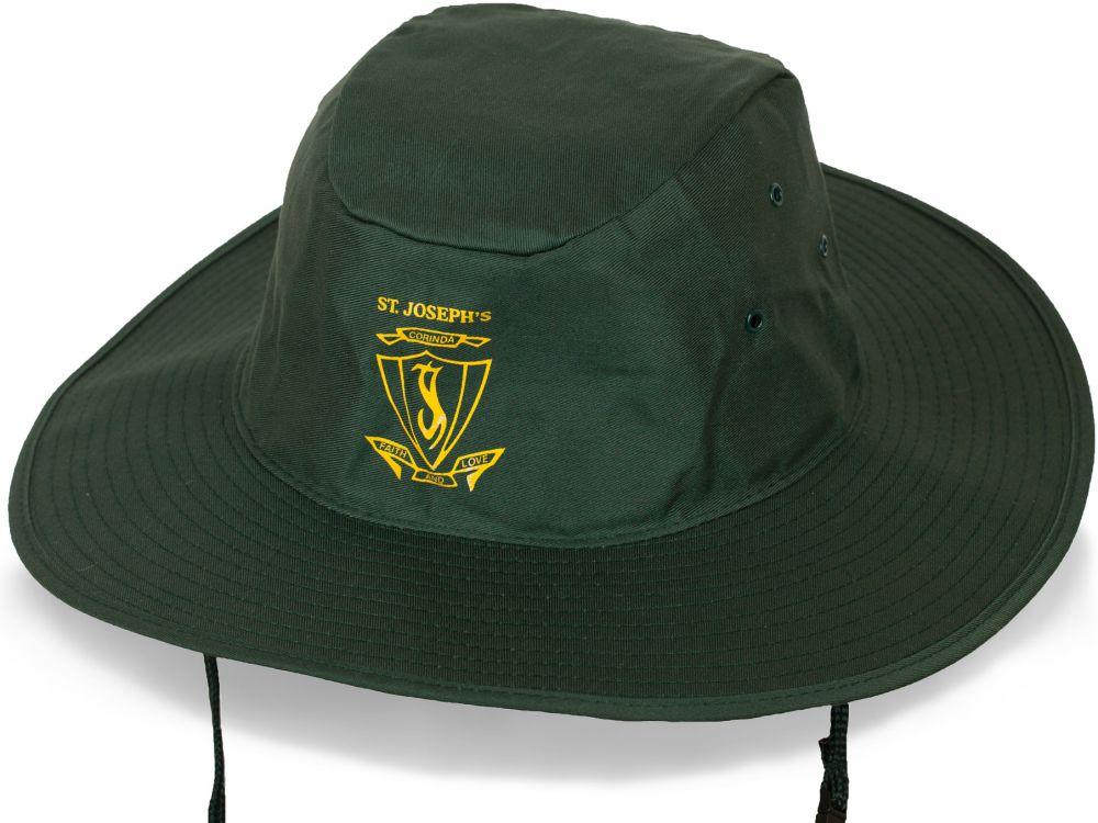 Брендовая шляпа для активного отдыха